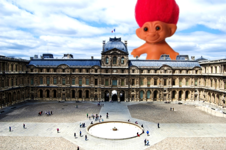 TROLL DOLL VISITS LOUVRE - GENERAL FEELING OF BEING CREEPED OUT SPREADS THROUGHOUT PARIS